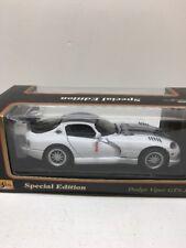 Maisto 1:18 Dodge Viper GTS-R