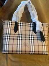 New With Tags!! Burberry 4049502 Me