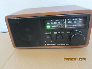 SANGEAN WR11 Wood Cabinet AM/FM Tabletop Radio tested working Great Sound Clean