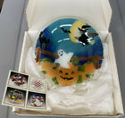 """Peggy Karr Fused Glass HALLOWEEN Bowl Witch Bay Ghost Back Cat Pumpkin 9"""" In Box"""
