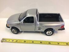 1:26 Scale 1997 Ford F150 Metal Model By Maisto Truck Blue Oval