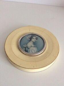 1890 Beinarbeit Rahmen -  in Silber eingefasstes Miniatur Bild einer Prinzessin