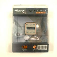 Memorex Clip & Play MP3 Player New 1 GB Storage 250 Songs LCD Screen Orange