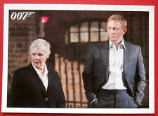 JAMES BOND - Quantum of Solace - Card #004 - Bond Reassures M