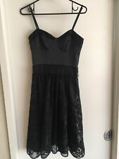 Ladies Black REVIEW Dress Size 6 Formal Fitted Classic Lace