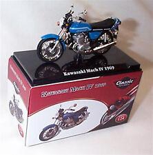 Kawasaki Mach 1V 1969 Classic Motorbike 1-24 Scale New in Case Atlas