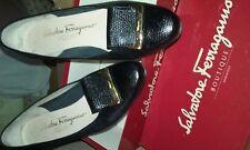 scarpa elegante Salvatore Ferragamo decollete colore nero con fibbia oro n.36