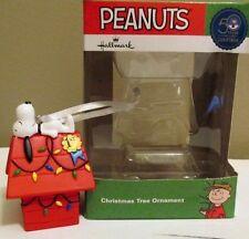 Snoopy Christmas Figurine Peanuts Decoration Ornament Hallmark Dog House