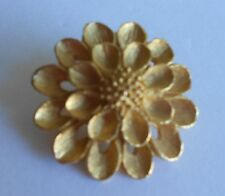 Vintage Gold Tone 3D Flower Round Brooch scarf clip