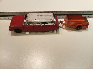 1950s Tootsie Toy Chevy Station Wagon W/ Uhaul