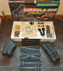 SCALEXTRIC FORMULA ONE SET C1065: JORDAN HONDA F1 v WILLIAMS RENAULT FW20