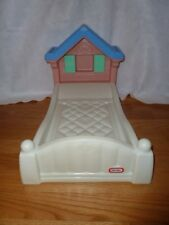 LITTLE TIKES COZY COTTAGE STORY BOOK BABY DOLL BED - RETIRED