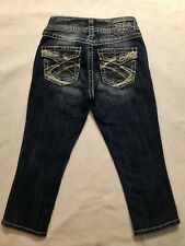 SILVER JEANS Suki Surplus Capri Dark DISTRESSED Flap Pocket Sz 25 measures 27x21