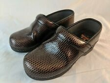 DANSKO Clogs Womens Snake Skin Print Size 37 Nursing Slip On Gold Is 6.5-7