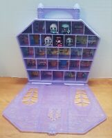 Monster High Mini's Collector Case With 5 Mini Retired Dolls Twyla Abbey Frankie