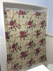 Floral Poinsettia Scrolled Patterned Holiday Festive Christmas Shower Curtain