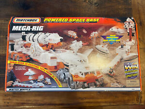 MATCHBOX POWERED SPACE BASE MEGA-RIG BUILDING STATION 35854 Never Opened 1998