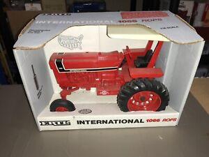 International 1066 Tractor w/ROPS, Ertl. 1/16,  Special Edition