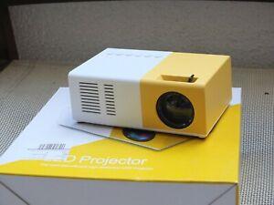 Mini Portable  LED Projector Bundle- Home Theater Cinema - Full HD