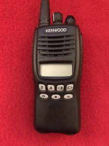 Kenwood TK-3312 / TK-3312-1 UHF 450 -520 MHz Portable Radio With Charger