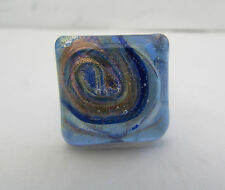 Un cuadrado multicolores Anillo De Cristal De Murano. UK.. US.8.25. p. (20 Mm x 20 Mm)