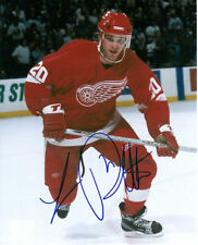 LUC ROBITAILLE Signed DETROIT RED WINGS 8x10 Photo