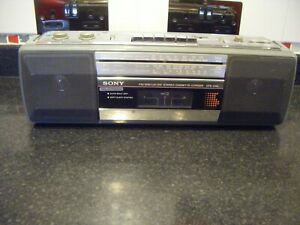 Sony CFS-210L Vintage 'Boombox Ghettoblaster' Portable Radio, rare, working