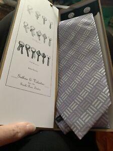 Guthrie And Valentine Silk Tie and cufflinks in box. Lilac. Excellent.