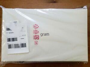 LG Gram 13.3 in. Intel Core i5 1.6GHz 8GB RAM 250GB SSD Touchscreen Notebook
