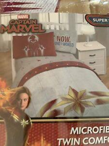 Captain Marvel Gray Red Multi Twin Comforter & Sheet Set  New