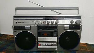 Aiwa CS 600E Stereo Radio Cassette Recorder. Works (video).