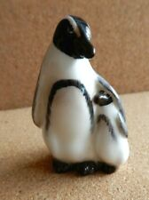 Royal Doulton K20 Penguin Mother and Chick Humbolt penguins with the stripe
