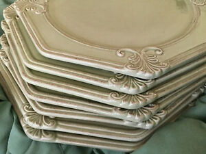 JCPenney Home Collection Vintage Sage octogonal dinner plates (5)