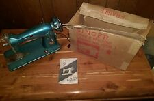 "Vintage Singer sewing machine Model ""Belvedere"" in 15CHBR Box with Manual"
