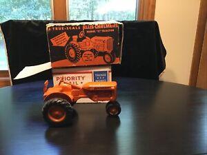 NEAR MINT WBX Vintage Tru Scale Allis Chalmers Model C Diecast Tractor Toy  RARE