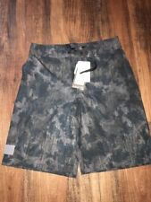 Under Armour Boys Board Shorts Swim Trunks Gray Black Camouflage Size 29 New