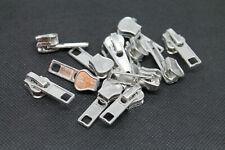 Schieber Zipper für die Reißverschlüsse Nummer 5 mit Kunststoff Grob in Silber