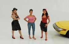 Figurine Figures Set 3 Piece Hanging out Girls 1:18 American Diorama No Car