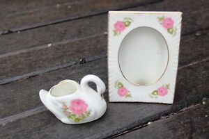 COUNTRY GARDEN BONE CHINA PHOTO FRAME AND MATCHING TRINKET DISH
