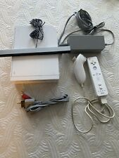 Nintendo Wii w/ Homebrew Channel and 10,000+ games. Read description. Full Set.