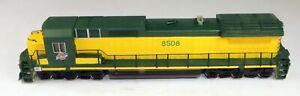 Bachmann #85015 Dash 8-40C Powered Diesel Locomotive CNW #8508 1/87 HO Scale