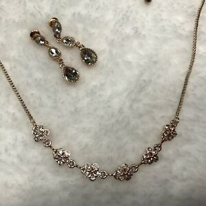 Necklace and Earring Set Woman's Rose Gold Tone With Rhinestones Gifts