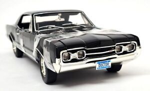 Highway 61 Supercar Collectibles 1/18 Scale 1967 Oldsmobile 442 Coupe Black Ltd