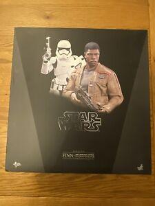 Hot Toys MMS346 Star Wars First Order Riot Control Finn & Stormtrooper AFSSCHT 4