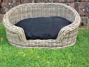 GORGEOUS GREY MEDIUM OVAL RATTAN LUXURY PET BED BASKET WITH REMOVABLE CUSHION