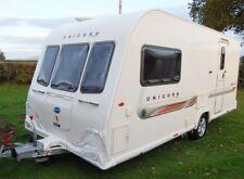 Caravans with Features & Equipment Cooker and 1 Bedrooms