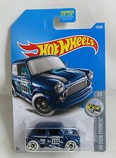 2017 Hot Wheels HW SNOW STORMERS MORRIS MINI 2/5