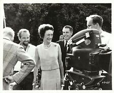 """WALLIS SIMPSON & HARRY BOOTH in """"A King's Story"""" Original Vintage Photo 1967"""