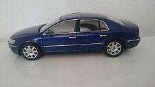 1:18 AUTOART VW PHAETON W12 6,0 BLAU ANSEHEN RAR!!