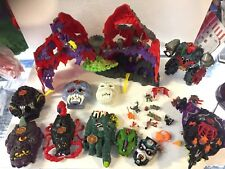 Années 1990 BLUEBIRD Mighty Max Play Sets figures lot Horror Heads Doom Zones Bundle